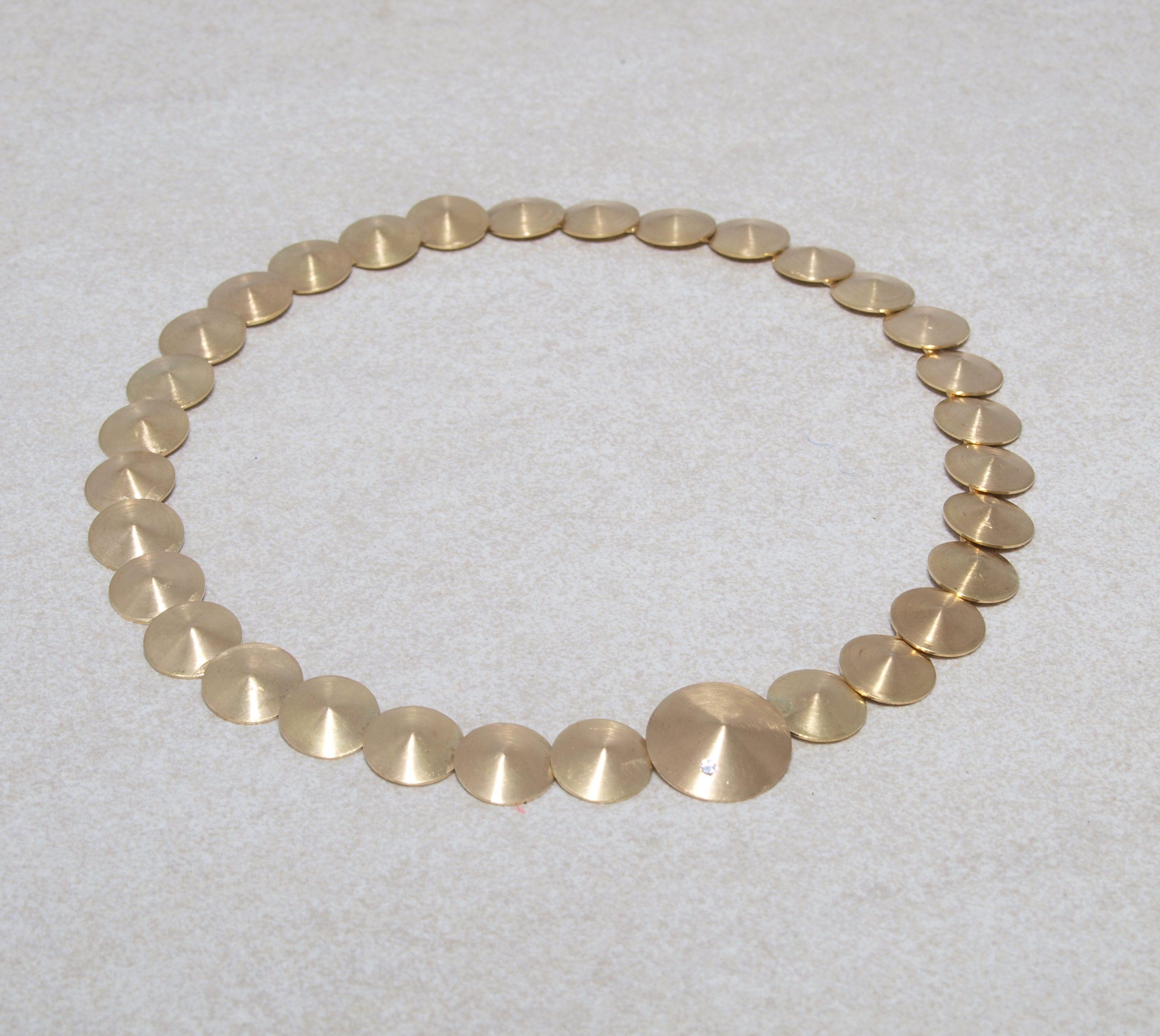 Handgefertigtes Goldcollier in 750 Gold mit Brillant