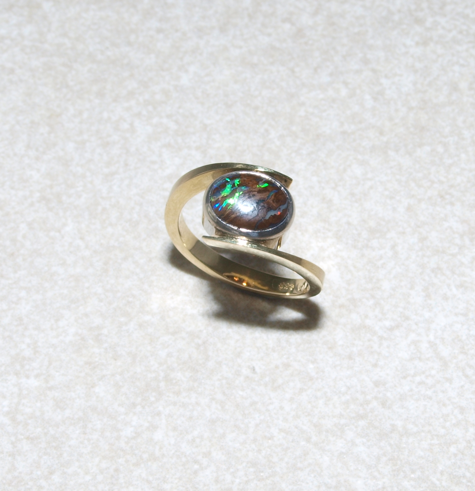 Boulderopal in 585 Gold
